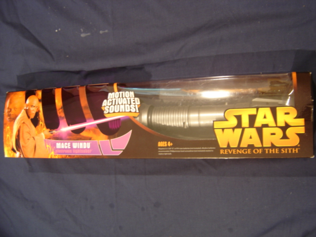 Mace Windu S Electronic Lightsaber Star Wars Collectors Archive